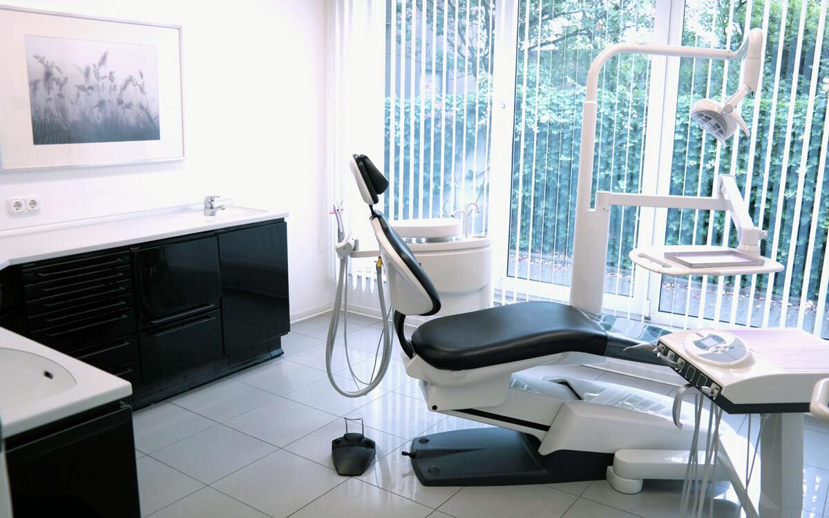 Behandlungsraum | Zahnheilkunde Dr. Gaa Köln-Braunsfeld