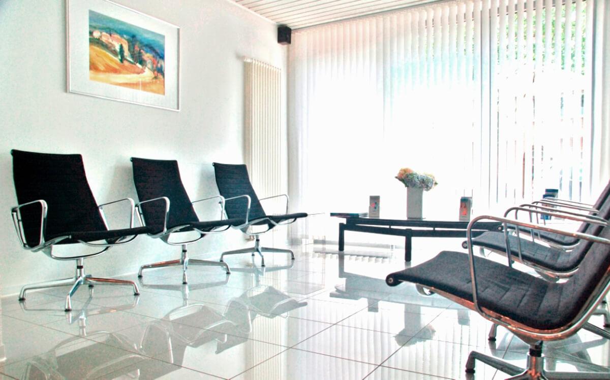 Praxiswartezimmer | Zahnheilkunde Dr. Gaa Köln-Braunsfeld