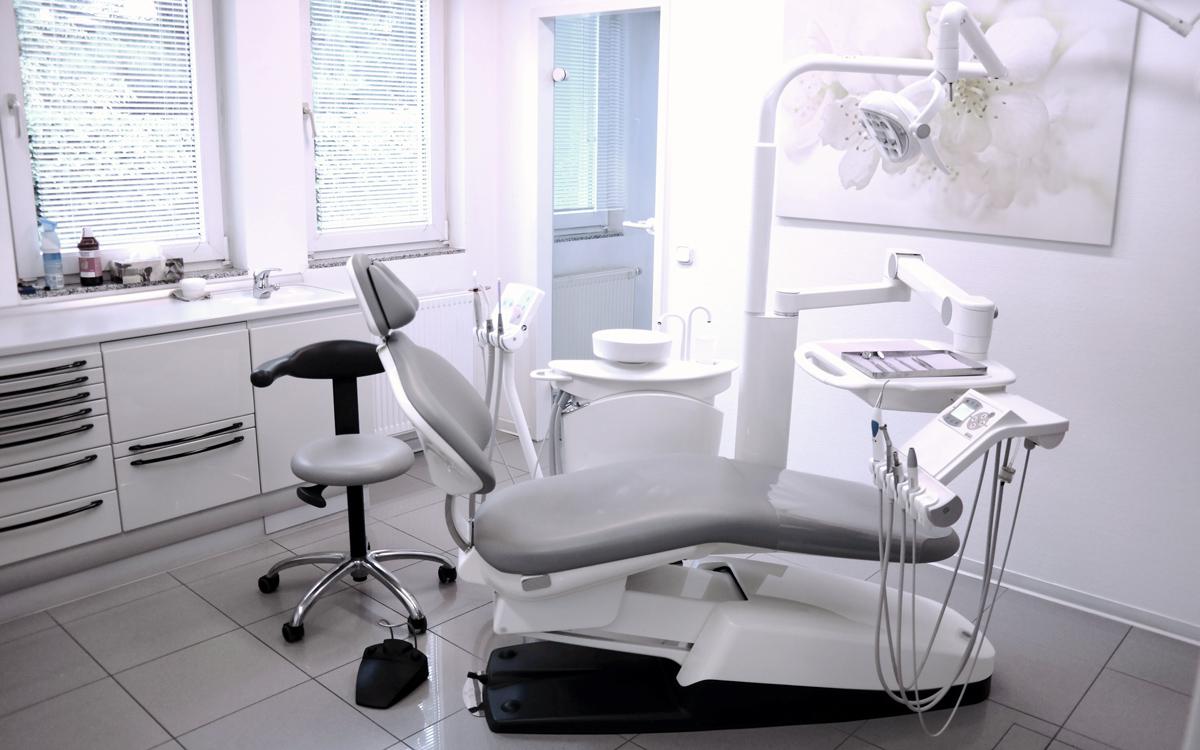Behandlungszimmer | Zahnheilkunde Dr. Gaa Köln-Braunsfeld